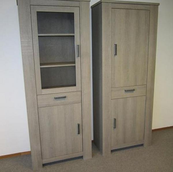 Vitrinekast D 1 deurs